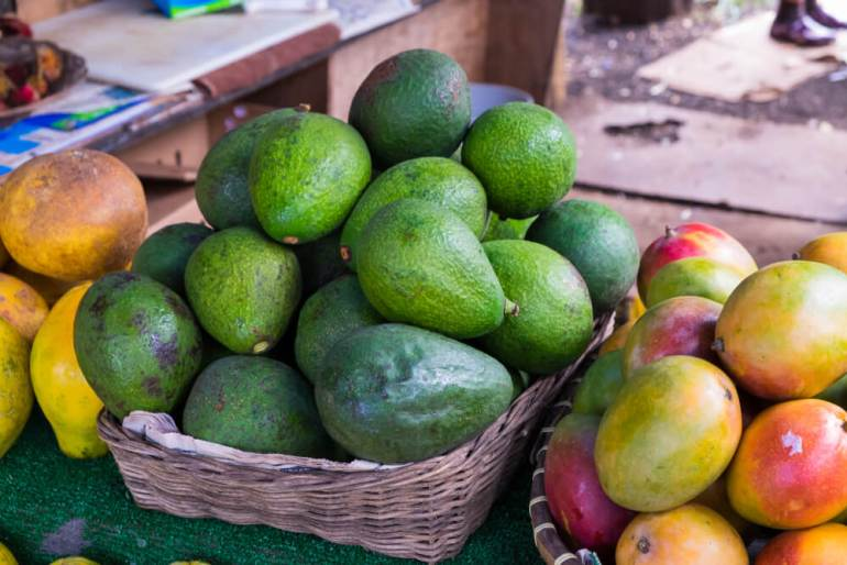 If you want to travel to Hawaii cheap, check out these tips for Hawaii on a Budget featured by top Hawaii blog, Hawaii Travel with Kids: Hawaii farmers markets are a great place to get fresh produce at discount prices