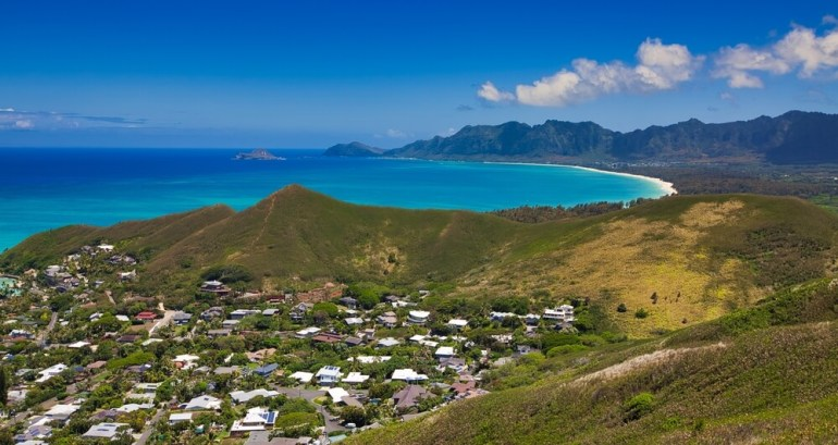 6 Easy Hikes on Oahu for Families featured by top Hawaii blog, Hawaii Travel with Kids: Lanikai Pillbox Hike on Oahu
