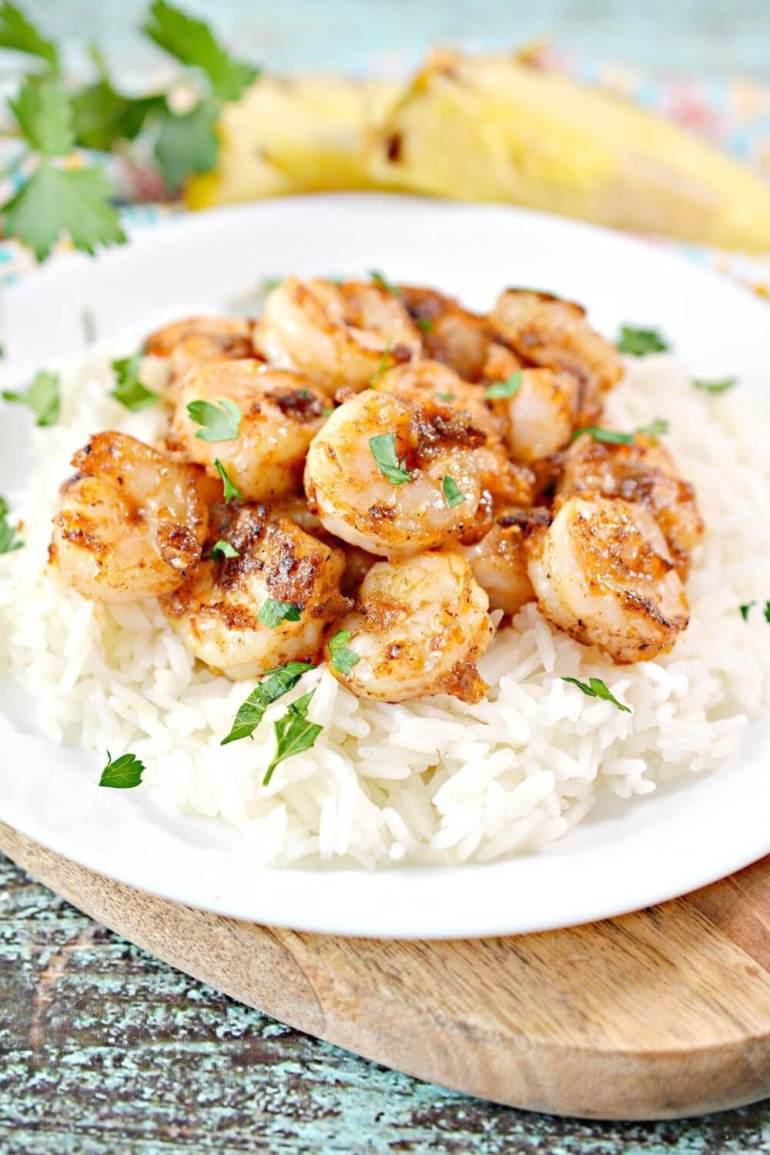 Hawaiian Garlic Shrimp Recipe featured by top Hawaii blog, Hawaii Travel with Kids. |  garlic shrimp hawaii