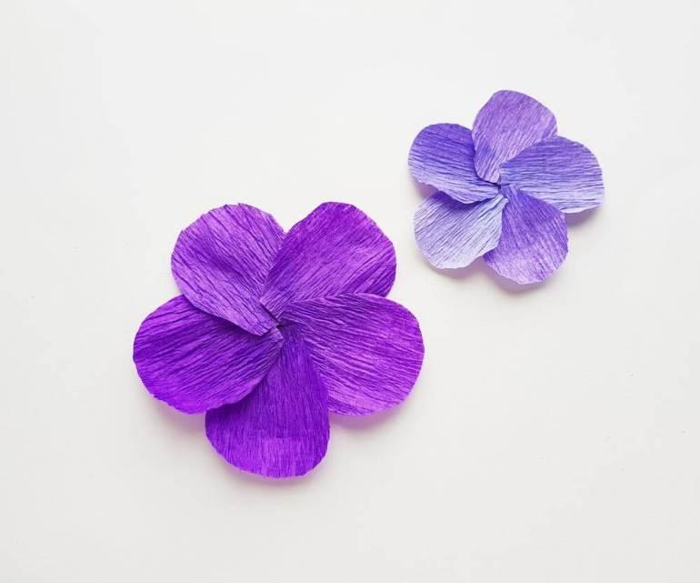 DIY Hawaiian Decorations: Luau Tissue Paper Flowers Tutorial featured by top Hawaii blog, Hawaii Travel with Kids