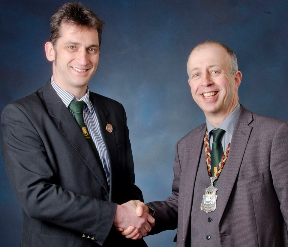 Ex-President Iain H Scott recently handed over the reigns of the Society to Duncan Taylor