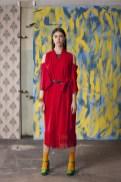 Czerwone kimono z frędzlami