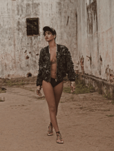 rihanna-by-mariano-vivanco-for-vogue-brazil-may-2014-7