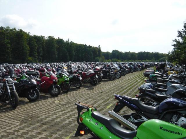 MotoGP-parking