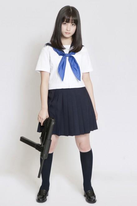 橋本環奈セーラー服と機関銃