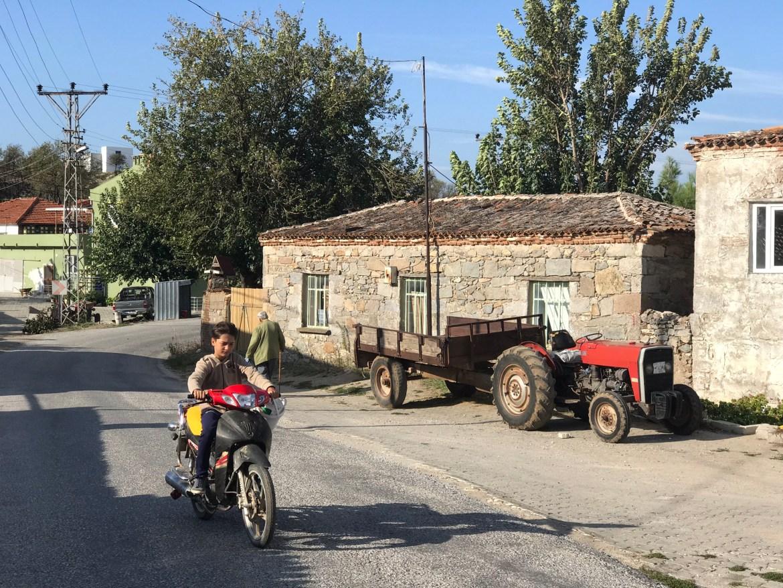 Köyde Çocuklu Sokak