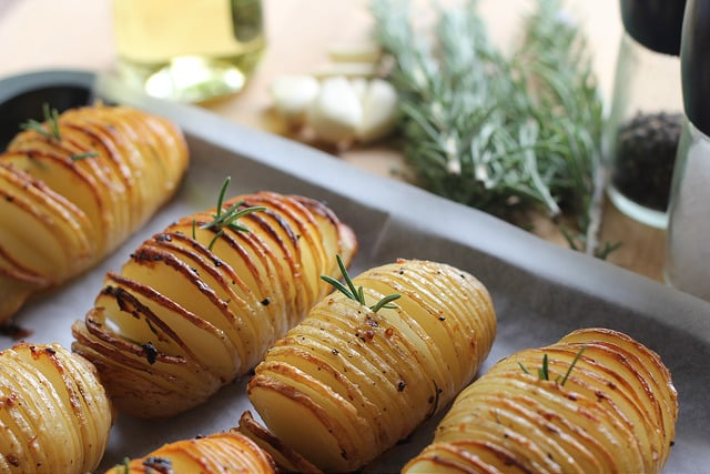 Hasselback Fırında Patates Tarifi