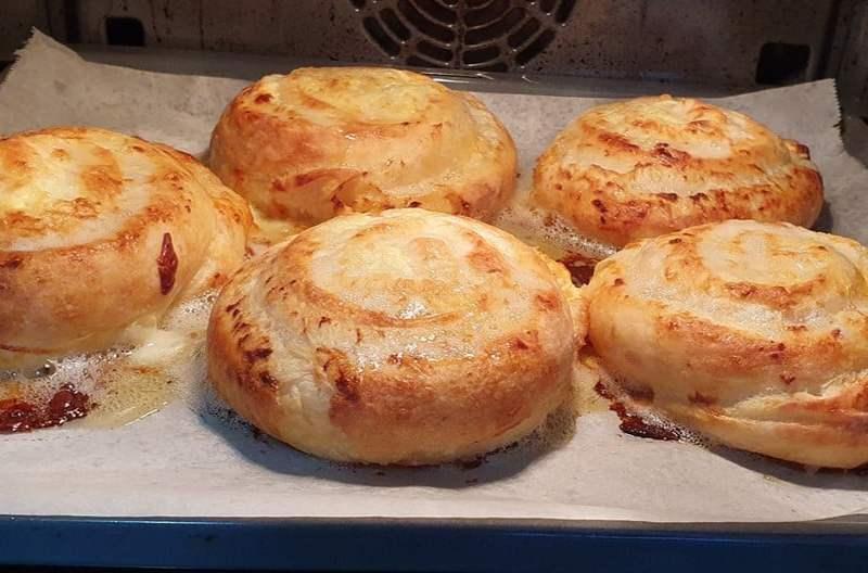 Nefis Bir Lezzet Peynirli Kaşarlı Börek