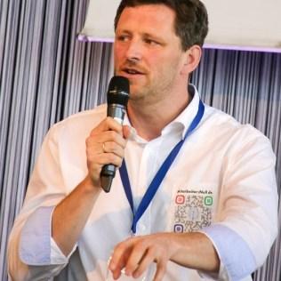 (C) 2015 Harald Schirmer