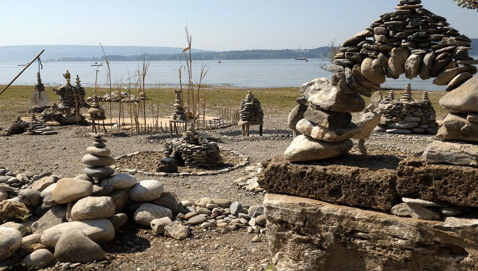 Zu Stein gewordenen Kommunikationsinseln
