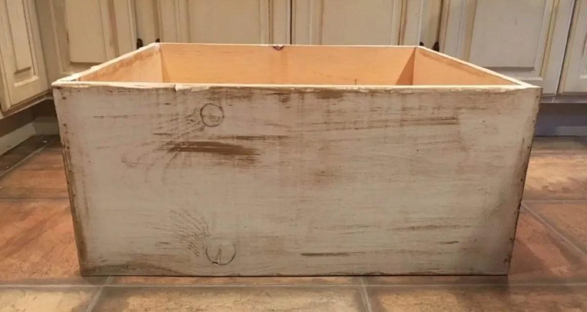Christmas Tree Crate DIY