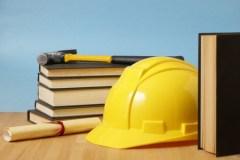 books-hat-education-34402406_s