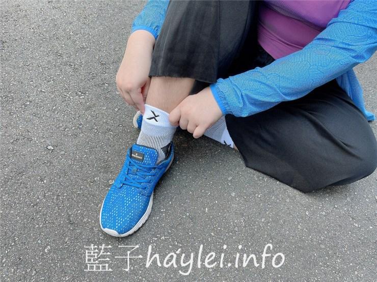 運動推薦/EGX衣格服飾/P82I中筒繃帶籃球襪-特殊編織法成就繃帶體感,完整包覆足部,保護、包覆、舒適再升級,腳背大面積透氣設計保持熱氣不悶熱,銀離子纖維添加流腳汗不易發臭,為運動而生的專業運動服飾品牌首選!日常穿搭/運動穿搭/運動襪推薦/MIT服飾推薦/藍子愛分享 健康養身 攝影 民生資訊分享 穿搭分享