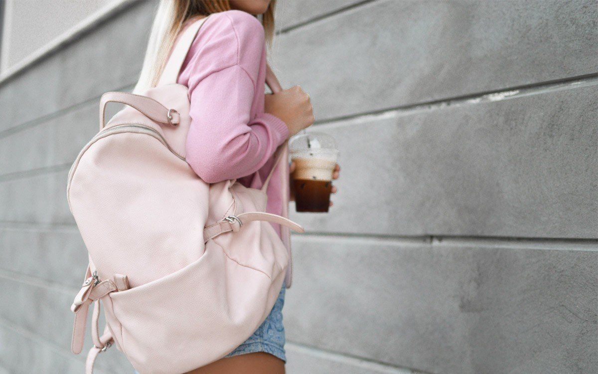 Backpack Essentials with Amazon Student Prime | College Tips | Hayle Olson | www.hayleolson.com