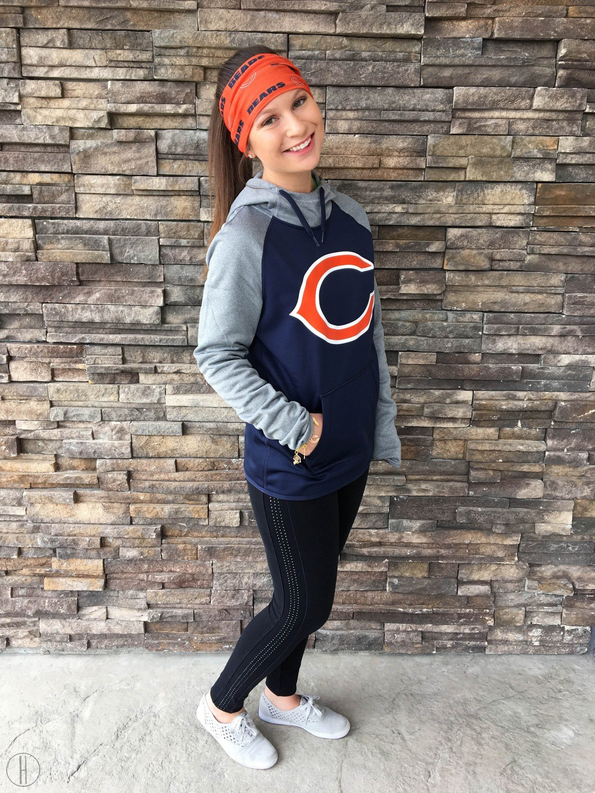 Fashionable at a Football Game | NFL Bears | hayle santella | www.haylesantella.com
