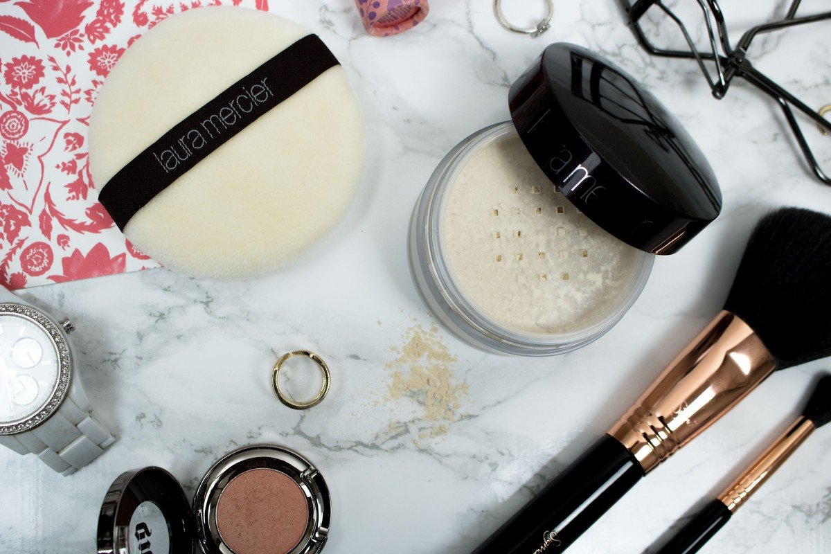 Laura Mercier Translucent Setting Powder Review | Beauty Tips | College Tips | hayle santella | www.haylesantella.com