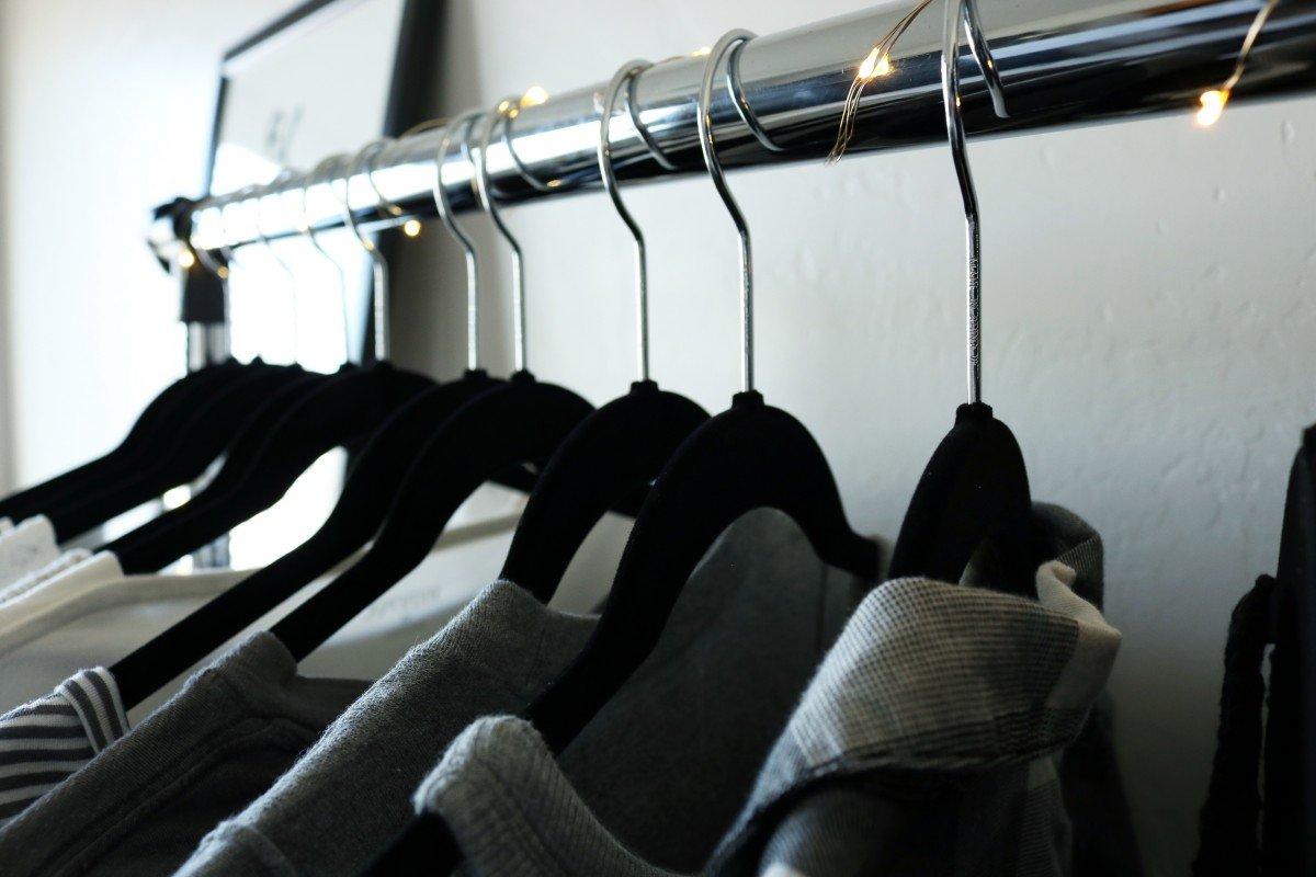 Organized Dorm Space | Small Dorm Room | hayle santella | www.haylesantella.com