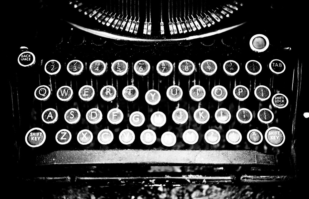 typewriter in black and white