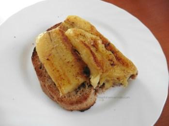 tostada integral plátano a la plancha