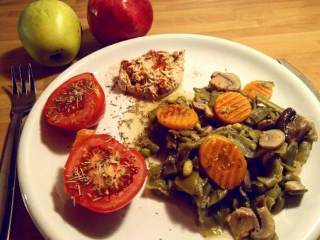 menestra de verduras congelada + humus casero de aceitunas negras + tomate + postre manzana o granada julia jimenez henz