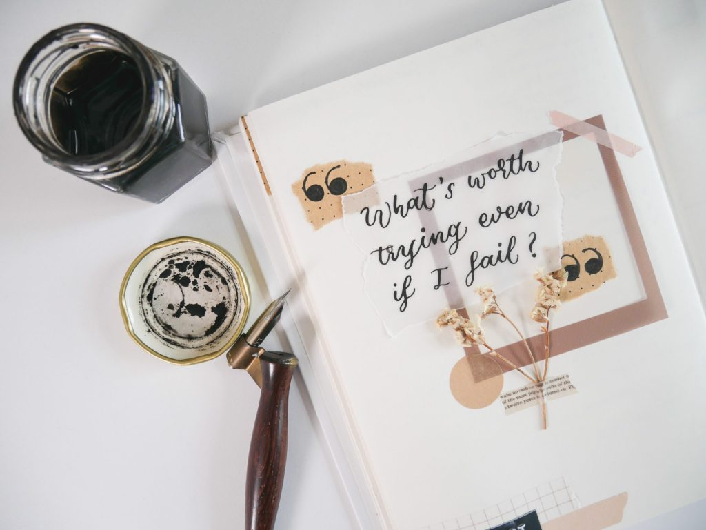 10 Ideas For An Aesthetic Collage Art Journal Spread