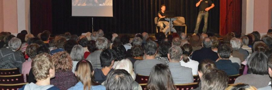 Áprilisi közönségtalálkozók