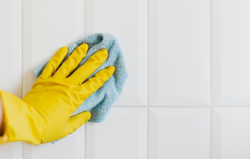 Soap Scum Cleaning Hack