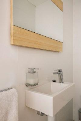 Small Bathroom Renovation   Helen Baumann Design