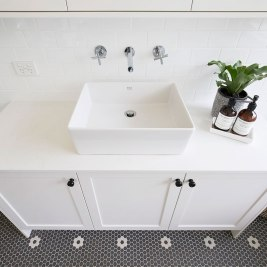 Black & White Bathroom Makeover | Helen Baumann Design