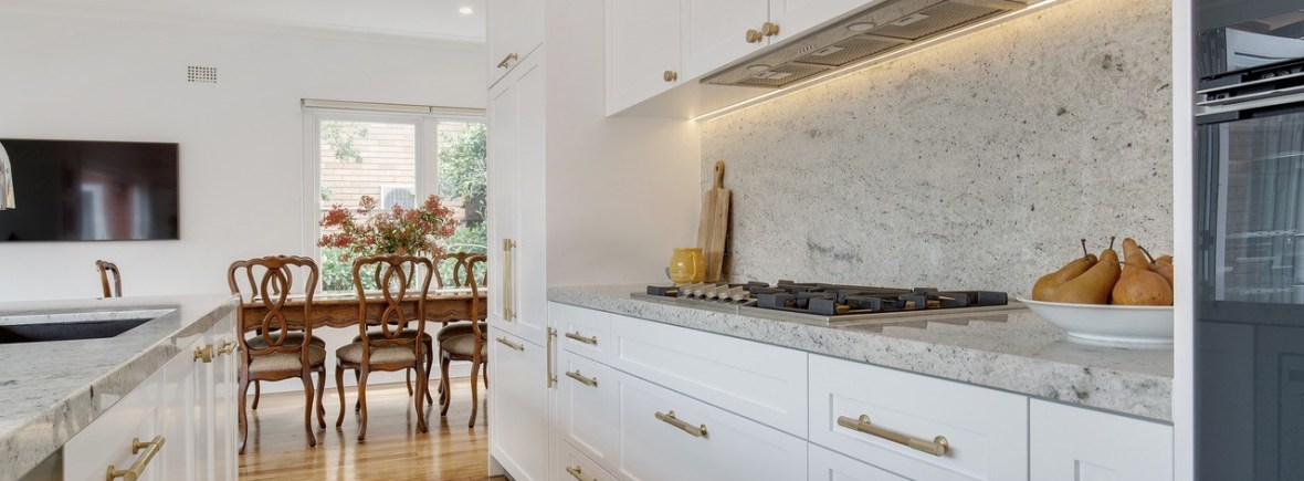 Hampton Kitchen with Shaker Style Doors   HB Design