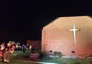 635713084910970825-AP-Church-Fire