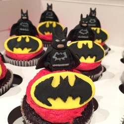 Lego Batman cupcakes for a special birthday boy.  Made in fondant and piped with buttercream.  #hbevents #hazelboivin #lego #weddingplanner #torontowedding #fondantcupcakes #loveofbaking @kathsssy