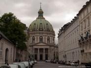 La Iglesia de Mármol (o Iglesia de Federico) es un templo luterano mandado construir en 1749. De estilo rococó no se terminó su construcción hasta casi 1900.