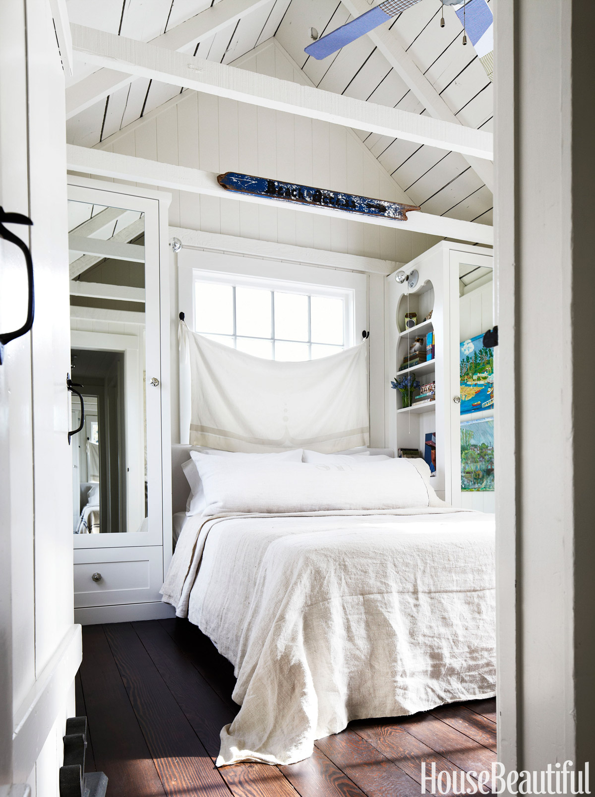 10+ Small Bedroom Decorating Ideas - Design Tips for Tiny ... on Small Room Decoration  id=35921