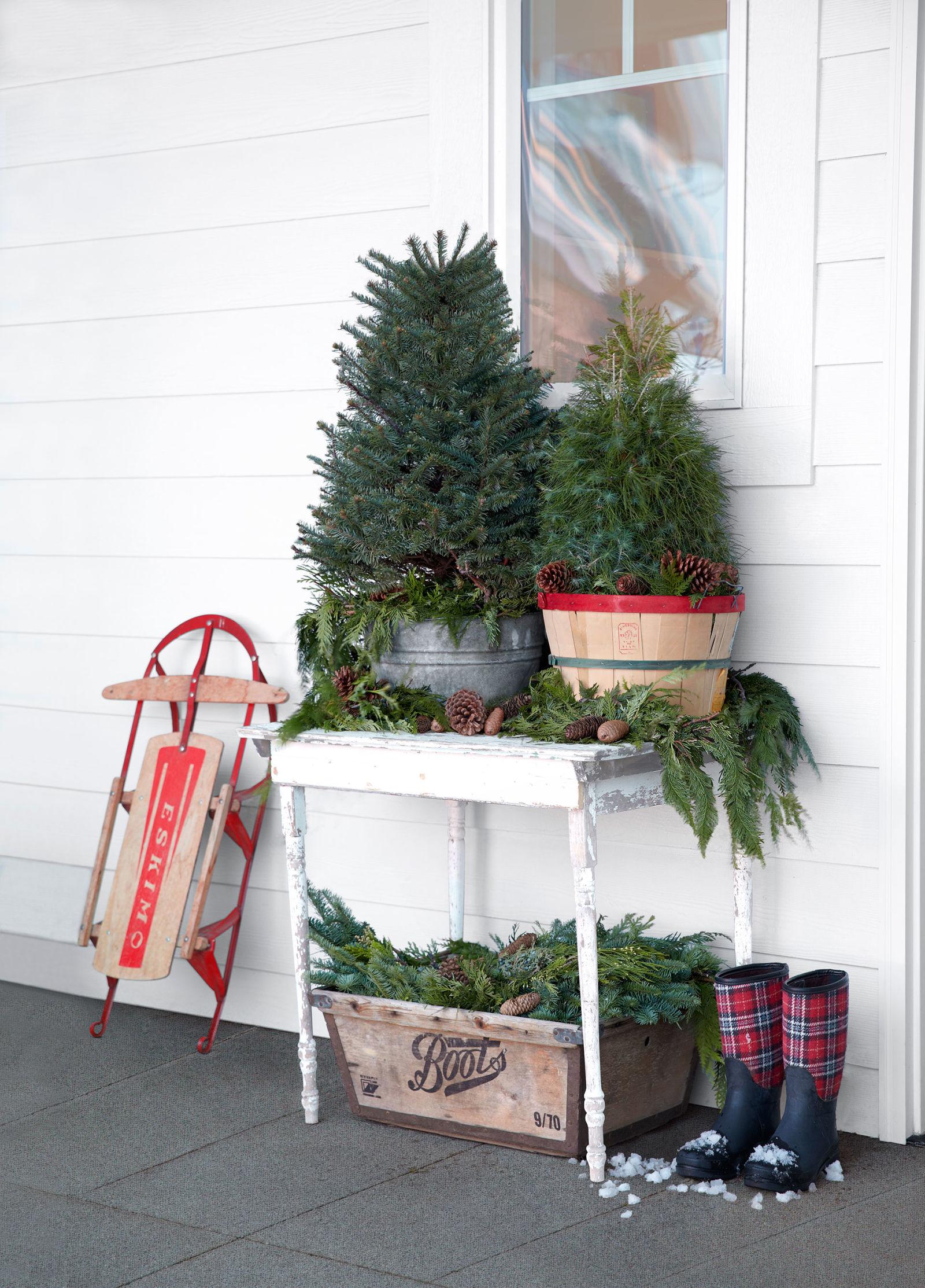 25 Best Outdoor Christmas Decorations - Christmas Yard ... on Garden Decor Ideas  id=19176