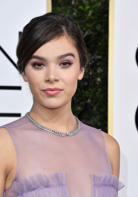 Another pink look of the night, Golden Globes nominee Hailee Steinfeld paired a sparkly violet and pink eye look (her makeup artist used the Giorgio Armani Eye Tints in 8, 10, and 12) with a swipe of shiny pink lipstick (Giorgio Armani Rouge Ecstasy Lipstick in #104).