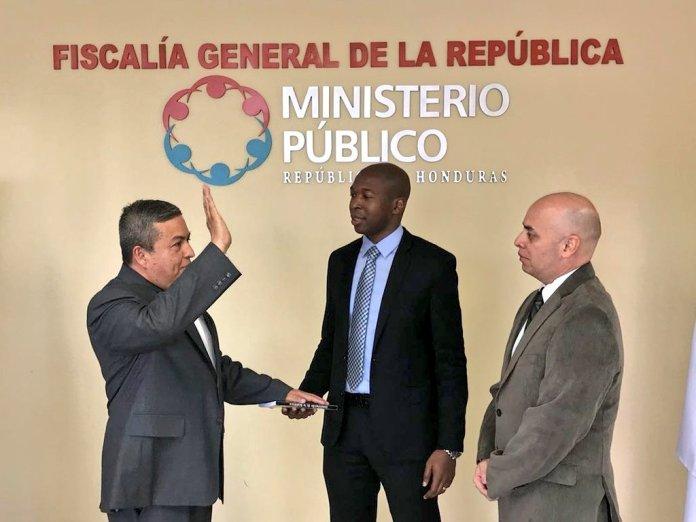 Juramentan al Fiscal de Carrera José Mario Salgado como nuevo Director General de Fiscalía