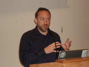 Wales speaks at Wikimania 2006, the second annual international Wikimedia conference, at the Harvard Law School campus in Cambridge, MA in August 2006.
