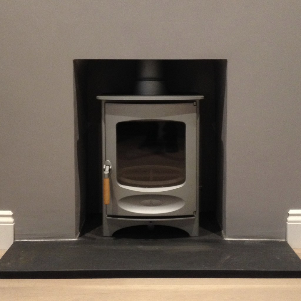 Charnwood C4 5Kw multi-fuel and wood burning Stove with 5 inch outlet