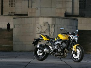 yamaha fz1 side view bike hd wallpaper