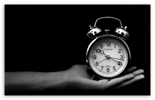 https://i1.wp.com/hd.wallpaperswide.com/thumbs/old_clock_black_and_white-t2.jpg?resize=546%2C353