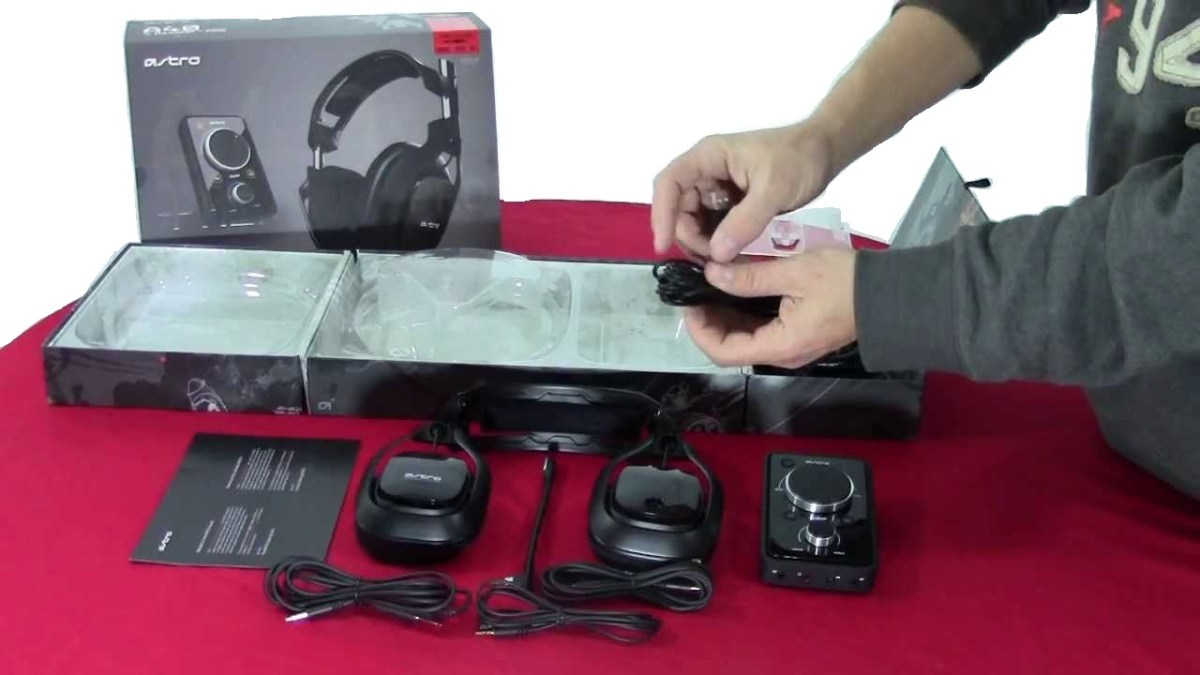 inside the Astro A40 headset box