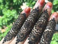 fingers back mehndi design for bridal