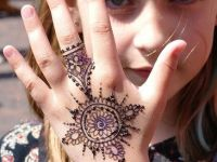 its cute small girl mehndi designs
