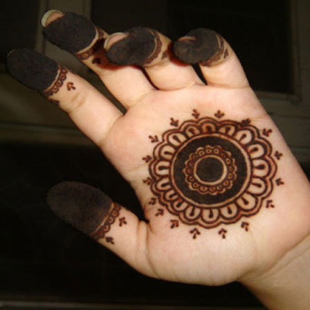 mehndi-designs-for-front hands-images for baby