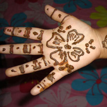specially for kids While-flowers-mehndi