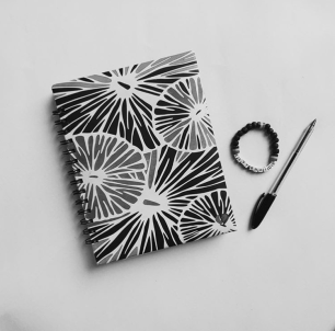 I just reviewed my #HDHQPlanner via// @theblackwriter
