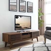 41 DIY TV Gallery Wall Inspirations & How Tos 3