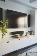 41 DIY TV Gallery Wall Inspirations & How Tos 40