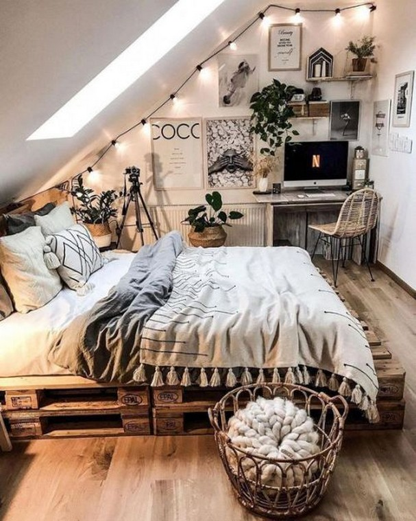 88 Adorable Pallet Bed Ideas You Will Love Crafome 44